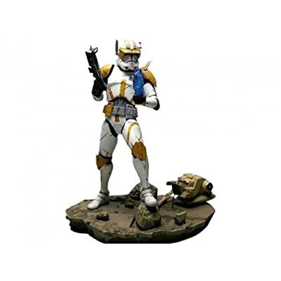 Kotobukiya Star Wars: Episode III: Revenge of The Sith: Commander Cody Light Up ArtFX Statue: Toys & Games