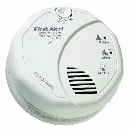 First Alert OLCOMBOV Wireless Interconnected Photoelectric Smoke and Carbon Monoxide Alarm with Voice and Location