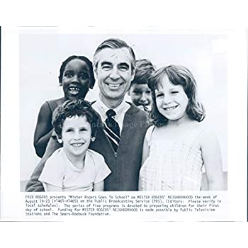 Onlyclassics Mister Fred Rogers 8x10 Photo Children Neighborhood Trolley Television Tv Castle Formtech Inc Com