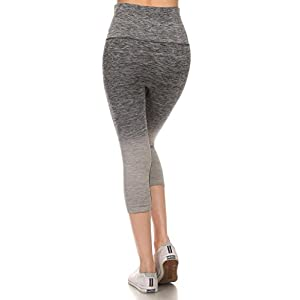 Yelete Womens Activewear Ombre Workout Capri Leggings, Charcoal Grey, Small 4-6
