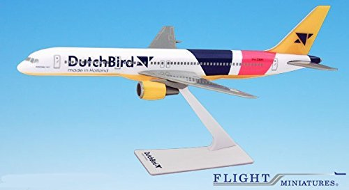 757-200 Airplane Miniature Model Snap Fit Kit 1:200 Part# ABO-75720H-042 Genesis Worlwide 00-05 Dutch Bird