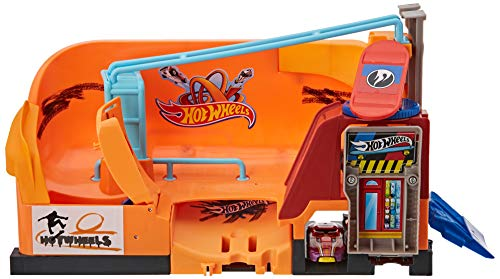 Hot Wheels City Skate Park Playset ()