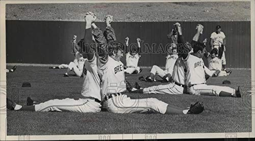1971 Press Photo Milwaukee Brewers stretch in practice - mjt10806 - Historic Images (Milwaukee Brewers Rock)