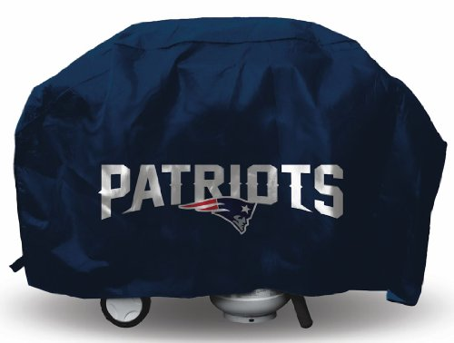 New England Patriots NFL Grill Cover ()