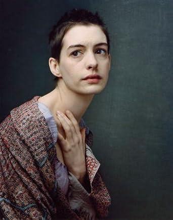 レ・ミゼラブル2012映画の髪を切ったファンティーヌの画像
