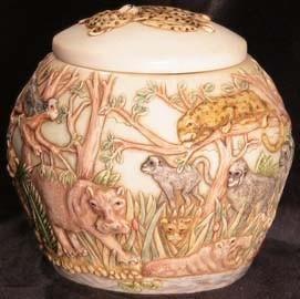 Jardinia Jewel of The Jungle African Safari Animals Lidded Cachepot Vase