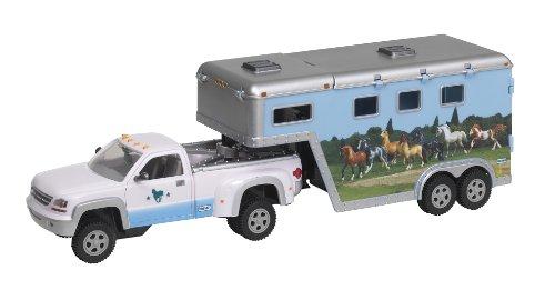 - Breyer Stablemates Pick - Up Truck and Gooseneck Trailer