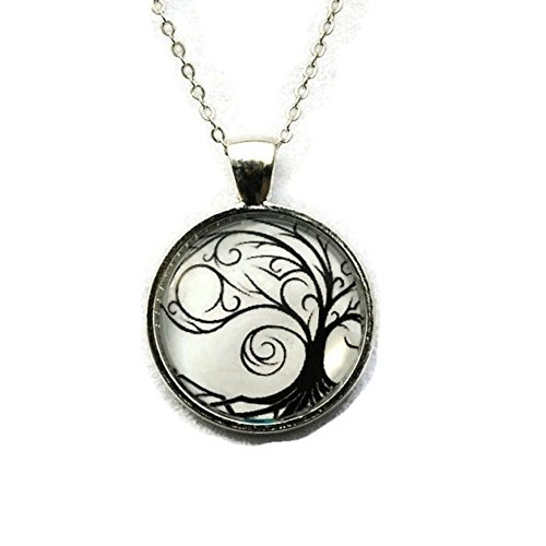 Tree of Life Black And White Silhouette Circle Pendant Necklace 18 Inch Chain, (Silhouette Black Necklace)