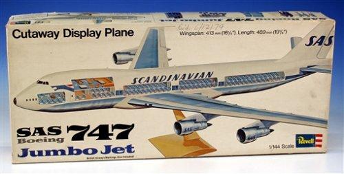 SAS Boeing 747 Jumbo Jet Model Kit [1:144 (Boeing 747 Jumbo Jet)