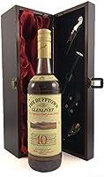 Dufftown Glenlivet 10 Years Old Speyside Single Malt Scotch Whisky Distillery Bottling en una caja de regalo forrada de seda con cuatro accesorios de vino