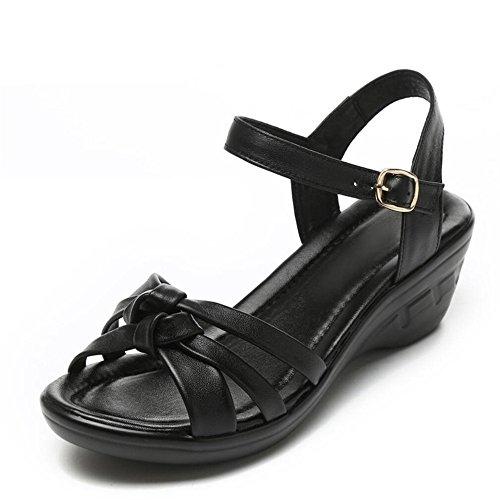 Madre sandalias Middle-Aged femenino pendiente con los zapatos de mujer Negro