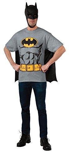 Extra Large Mens Batman T-Shirt With Cape ()