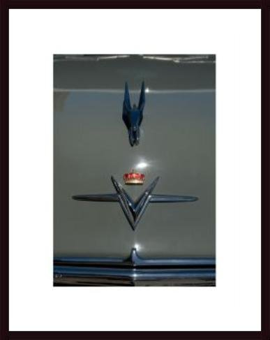 Chrysler Imperial Hood, framed black wood, white matte ()