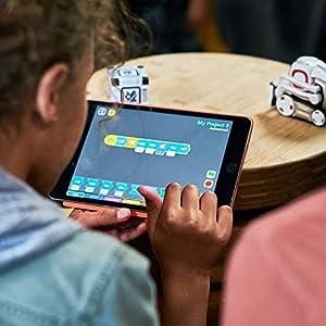 Anki Cozmo, A Fun, Educational Toy Robot for Kids