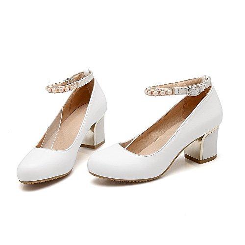 VogueZone009 Damen Rund Zehe Schnalle PU Leder Eingelegt Mittler Absatz Pumps Schuhe Weiß