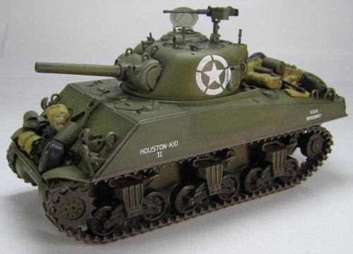 1/48 M4A3 シャーマン戦車105mm砲搭載型 HG1002