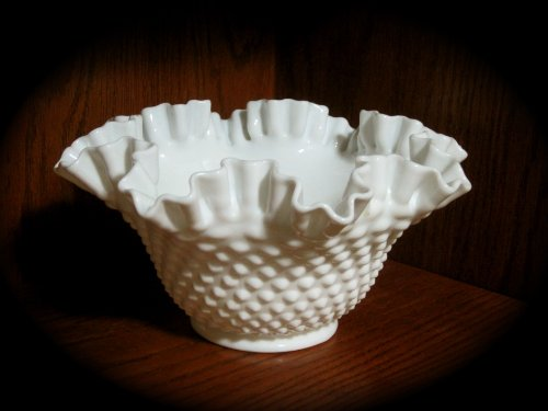 Vintage Fenton Hobnail WHITE Milk Glass Ruffled Edge Bowl (9