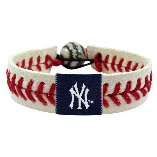 MLB New York Yankees Classic Baseball Bracelet