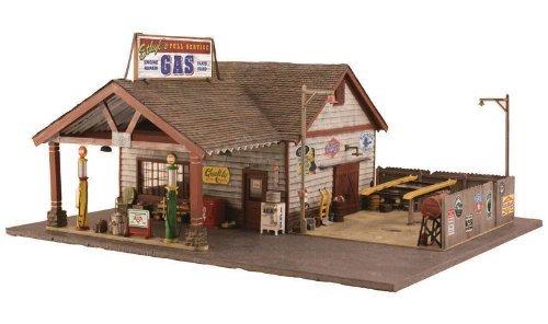 (Woodland Scenics WOOBR4935 N Built-Up Ethyl's Gas & Service )