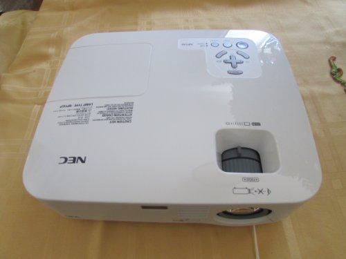 (NEC NP510 3000 Lumens XGA LCD Projector)