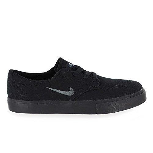 Nike Men s SB Clutch Shoe Black/Anthracite Dark Grey 9 D US
