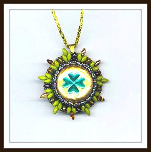 Beadwoven Green Shamrock Pendant Clover Necklace