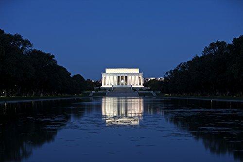 Posterazzi Lincoln Memorial reflection in pool Washington D.C. USA Poster Print (17 x 11)