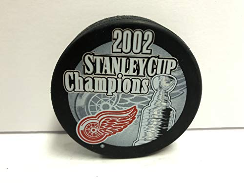Detroit Red Wings 2002 STANLEY CUP Champions Commeorative NHL Hockey Puck