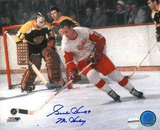 Autographed Gordie Howe Picture - Redwings 8x10 Mr. vs Boston Bruins BAS Beckett Hologram - Beckett Authentication