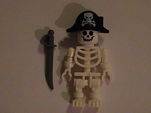 LEGO Pirate Ghost Skeleton Mini Figure Minifig Skeleton + Pirate Hat Halloween]()
