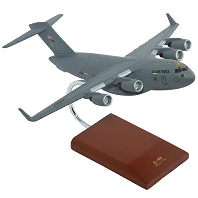 Mastercraft Collection C-17 Globemaster III - 1/164 scale model: Toys & Games