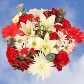 Amazon Com Globalrose Valentines Day Arrangements Florist