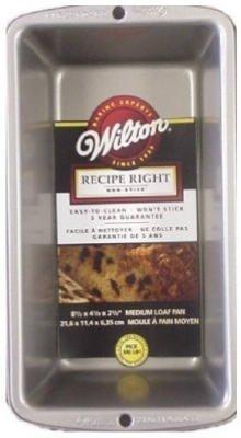 Wilton Recipe Ready Medium Loaf Pan, 21.69cm