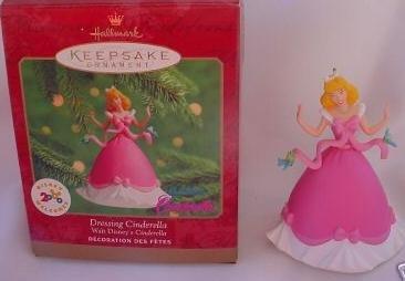 Hallmark 2000 DRESSING CINDERELLA - DISNEY Keepsake Ornaments ()