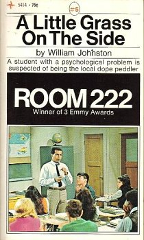 Room 222 #5: a Little Grass on the Side (222 Season 1 Room)
