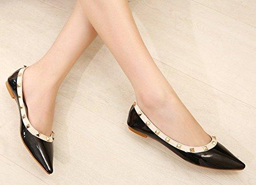 Chfso Womens Trendy Comfortabele Studded Puntige Neus Laag Uitgesneden Jurk Slip Op Platte Schoenen Zwart