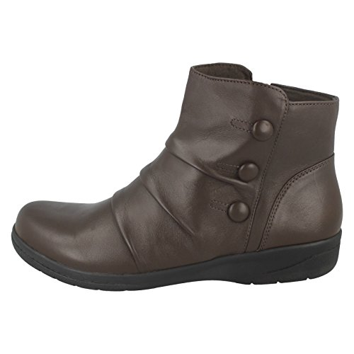 CLARKS Clarks Womens Boot Cheyn Anne Black Dark Brown (Brown)