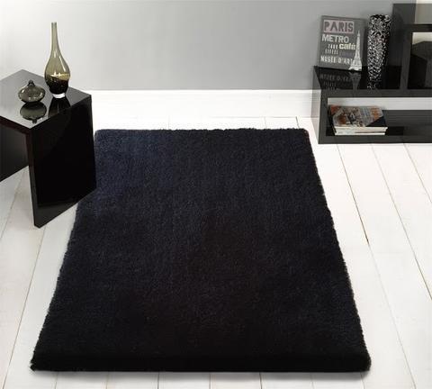 Alfombra Moderna Color Negro De Una Pulgada 100% Poliéster. TAMAÑO: 153 Centímetros Por