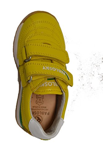 Pablosky 224680 - Deportivo en piel de velcro para niños. Color amarillo.