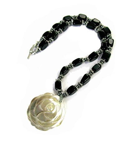 Linpeng Rose Shaped Shell Pendant Black StoneToggle Necklace / Hand made Stones Beads Toggle Necklace for women / Length 16