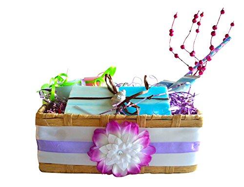 Bahama Breeze Spa Gift Basket with Organic Vegan Soaps - Aromatherapy Spa Set - Spa Gift Set