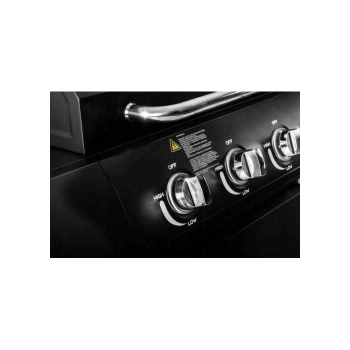 41HY%2B6h77PL Fuego de campamento 4 y también incluye 1 quemador lateral. Cada quemador se puede encender individualmente a través de encendido piezo. Fácil de mover con 4 ruedas, tanto el gas butano como el propano son compatibles. Gran espacio de almacenamiento debajo de la parrilla de gas + estantes laterales. Incluye estante de calentamiento. La barbacoa viene en embalaje plano y requiere montaje. Se proporciona un manual de instrucciones detallado que proporciona un montaje fácil y rápido.