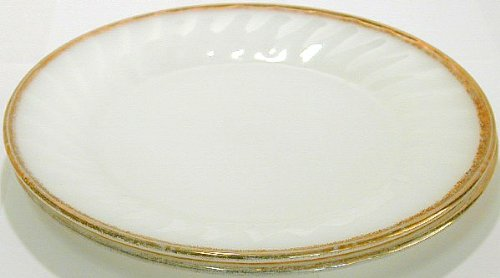 GL148 - Hocking Fire-King Swirl gold overlay salad plate 2 pcs
