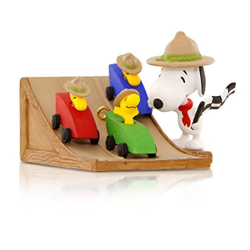(Hallmark Keepsake Ornament: Peanuts The Race Is On! Snoopy's Beagle Scouts Pinewood Derby with Woodstock)