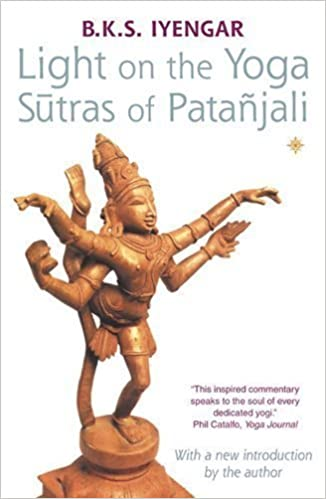 Amazon.com: Light on the Yoga Sutras of Patanjali by Iyengar ...