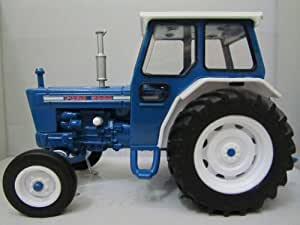 ERTL 1:32 Ford 5000 Tractor