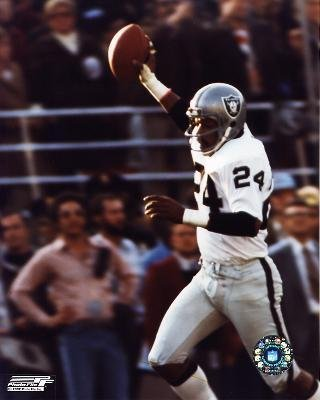 Los Angeles Raiders Willie Brown 40x50 Stretched Canvas by Biggsports