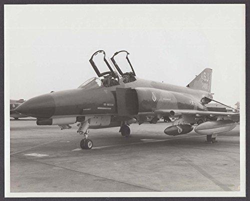 USAF F-4E Phantom jet fighter 72-490 on tarmac 8x10 photo ()