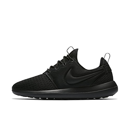 Nike Women's Roshe Two Casual Shoe Black/Black/Black