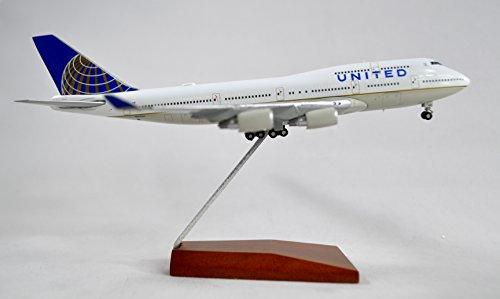 GeminiJets United Airlines Boeing 747-400 Diecast Airplane Model N105UA With Stand 1:400 Scale Part# GJUAL1587
